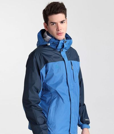 如何选择定制滑雪服